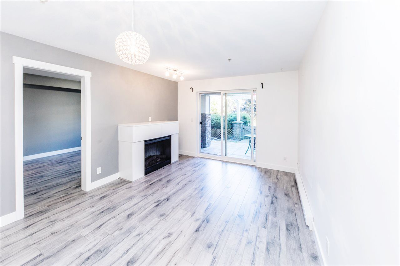 """Main Photo: 105 19388 65 Avenue in Surrey: Clayton Condo for sale in """"Liberty"""" (Cloverdale)  : MLS®# R2290675"""