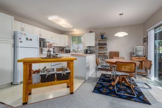Photo 7: 2201 Bolt Ave in : CV Comox (Town of) House for sale (Comox Valley)  : MLS®# 885528