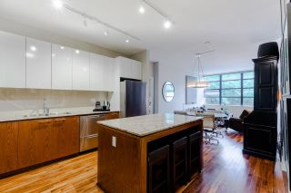 """Photo 3: 207 2828 YEW Street in Vancouver: Kitsilano Condo for sale in """"Bel-Air"""" (Vancouver West)  : MLS®# R2611866"""