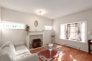 """Photo 5: 2081 E 4TH Avenue in Vancouver: Grandview Woodland 1/2 Duplex for sale in """"COMMERCIAL DRIVE"""" (Vancouver East)  : MLS®# R2352705"""