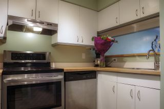 """Photo 8: 207 2238 ETON Street in Vancouver: Hastings Condo for sale in """"ETON HEIGHTS"""" (Vancouver East)  : MLS®# R2454959"""