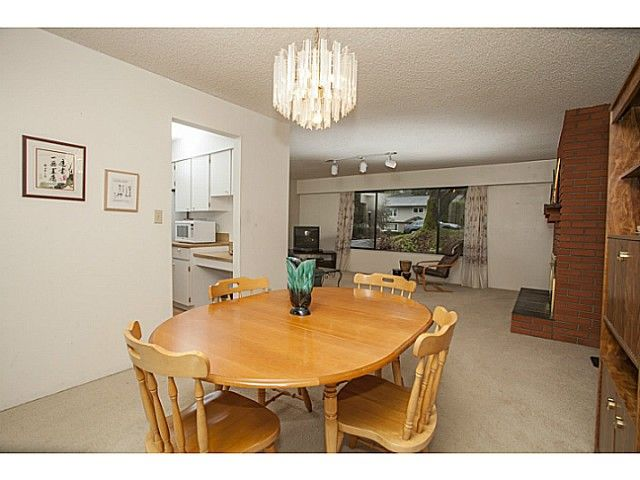 Photo 5: Photos: 1719 PETERS Road in North Vancouver: Lynn Valley House for sale : MLS®# V1105416