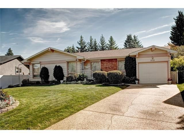 Photo 5: Photos: 210 OAKMOOR Place SW in Calgary: Oakridge House for sale : MLS®# C4091579