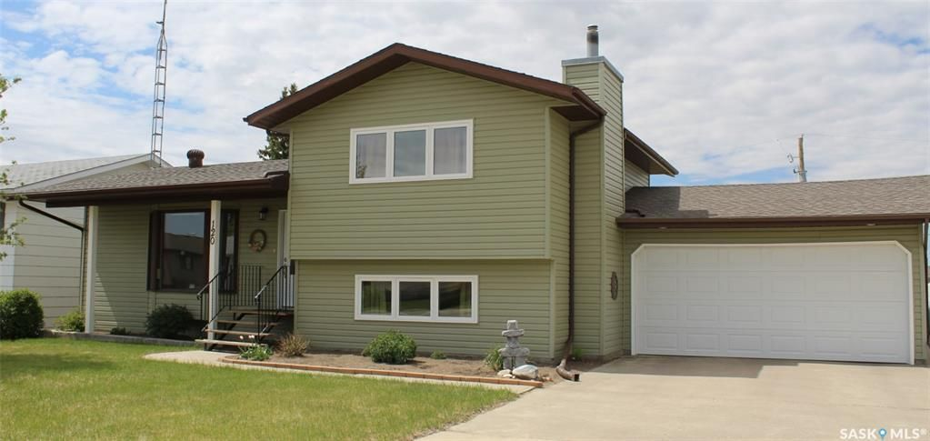 Main Photo: 120 Wells Place West in Wilkie: Residential for sale : MLS®# SK857003