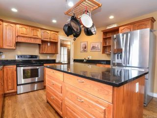 Photo 5: 698 Windsor Pl in CAMPBELL RIVER: CR Willow Point House for sale (Campbell River)  : MLS®# 745885