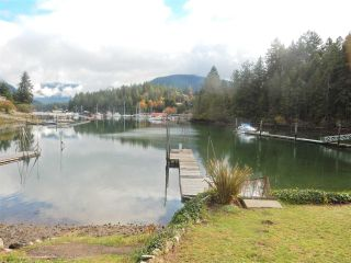 """Photo 2: 4457 FRANCIS PENINSULA Road in Madeira Park: Pender Harbour Egmont House for sale in """"Gerran's Bay"""" (Sunshine Coast)  : MLS®# R2009213"""