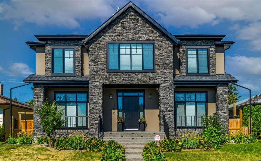 Main Photo: 166 Westover Drive SW in Calgary: Westgate Detached for sale : MLS®# A1125550