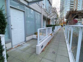 """Photo 17: 39 KEEFER Place in Vancouver: Downtown VW Townhouse for sale in """"The Taylor"""" (Vancouver West)  : MLS®# R2514052"""