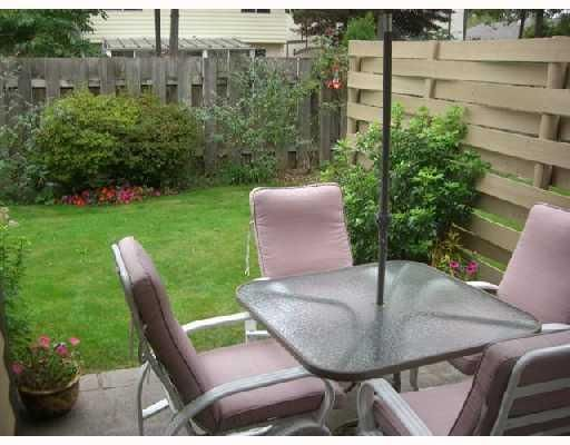 "Main Photo: 20 11160 KINGSGROVE Avenue in Richmond: Ironwood Townhouse for sale in ""CEDAR GROVE STATES"" : MLS®# V735561"