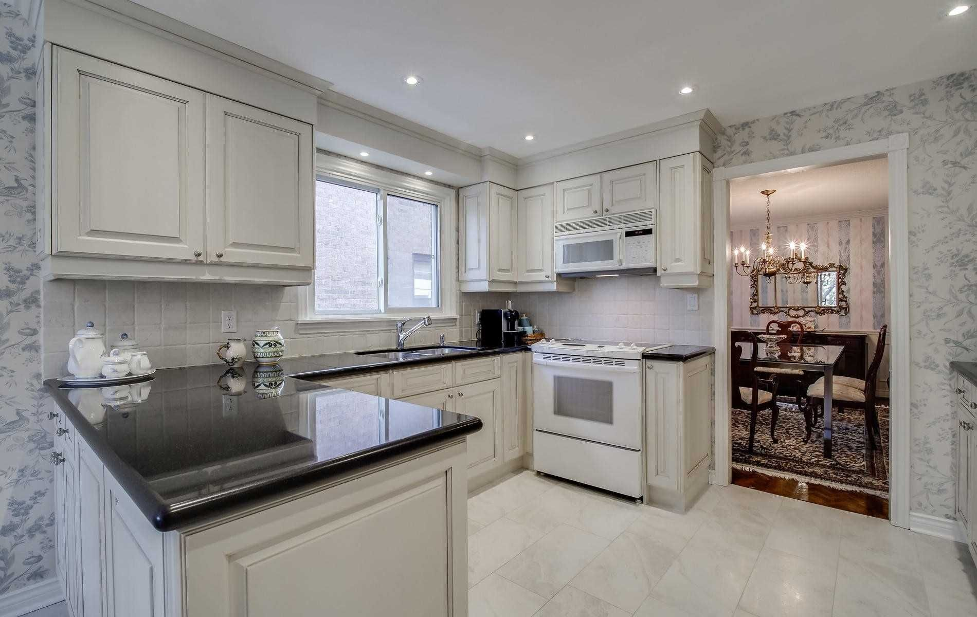 Photo 7: Photos: 498 Hidden Trail in Toronto: Westminster-Branson House (2-Storey) for sale (Toronto C07)  : MLS®# C4709173