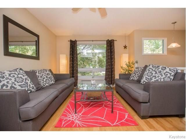Photo 4: Photos: 9 Rillwillow Place in Winnipeg: Meadowood Residential for sale (2E)  : MLS®# 1623703