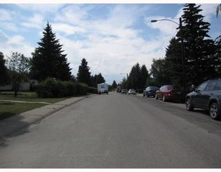 Photo 10: 4615 FORTUNE Road SE in CALGARY: Forest Heights Residential Detached Single Family for sale (Calgary)  : MLS®# C3389259
