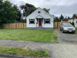 Photo 1: 46194 GORE Avenue in Chilliwack: Chilliwack E Young-Yale House for sale : MLS®# R2479252