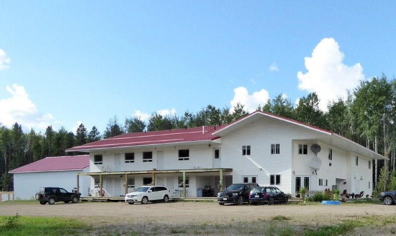 Over 10,000 sq.ft. home with B&B rooms, 44x60 shop on 5 acres ... potential to add 12 more rooms and RV park.  Shower room and separate 2 pce bath with exterior access already there to accommodate RV park.  Great highway location.