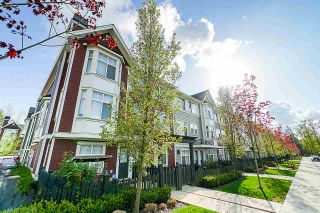 Photo 2: 72 20852 77A AVENUE in Langley: Willoughby Heights Townhouse for sale : MLS®# R2398984