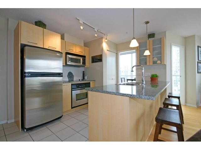 """Photo 2: Photos: 1402 1199 SEYMOUR Street in Vancouver: Downtown VW Condo for sale in """"BRAVA"""" (Vancouver West)  : MLS®# V877625"""
