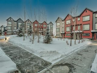 Main Photo: 402 11 Evanscrest Mews NW in Calgary: Evanston Row/Townhouse for sale : MLS®# A1070182