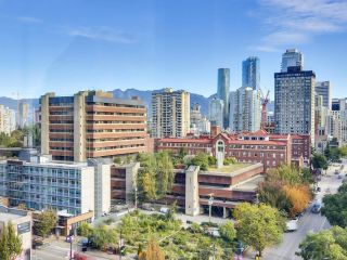 """Photo 11: 1304 1238 BURRARD Street in Vancouver: Downtown VW Condo for sale in """"ALTADENA"""" (Vancouver West)  : MLS®# R2620701"""