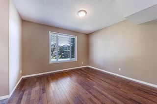 Photo 5: 415 52 Avenue SW in Calgary: Windsor Park Semi Detached for sale : MLS®# A1112515