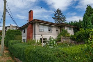 Photo 9: 400 E 1ST Street in North Vancouver: Lower Lonsdale House for sale : MLS®# R2612536