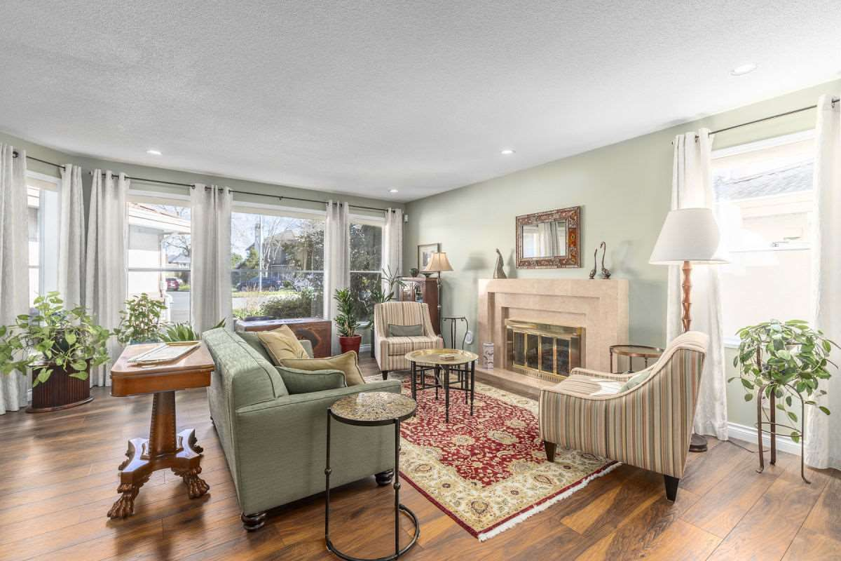 Photo 4: Photos: 9251 JASKOW Place in Richmond: Lackner House for sale : MLS®# R2353328