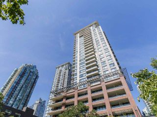 """Main Photo: 510 977 MAINLAND Street in Vancouver: Yaletown Condo for sale in """"Yaletown Park 3"""" (Vancouver West)  : MLS®# R2478099"""