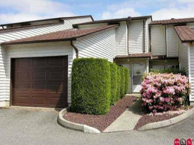 Main Photo: 102 15537 87A Avenue in Surrey: Fleetwood Tynehead Townhouse for sale : MLS®# R2544483