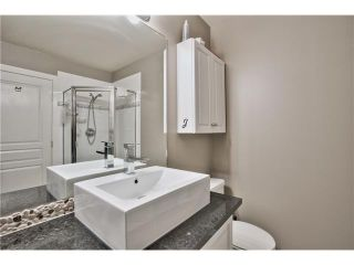 """Photo 9: 520 ST GEORGES Avenue in North Vancouver: Lower Lonsdale Townhouse for sale in """"STREAMLNE PLACE"""" : MLS®# V1055131"""