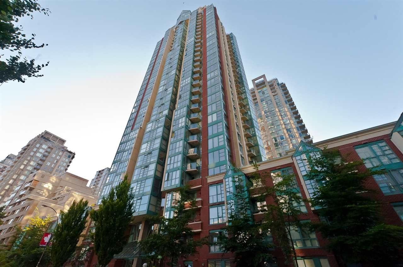 """Main Photo: 2706 939 HOMER Street in Vancouver: Yaletown Condo for sale in """"PINNACLE"""" (Vancouver West)  : MLS®# R2192019"""