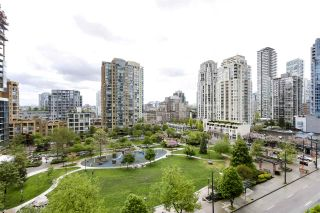 "Photo 2: 705 1155 SEYMOUR Street in Vancouver: Downtown VW Condo for sale in ""BRAVA NORTH"" (Vancouver West)  : MLS®# R2453073"