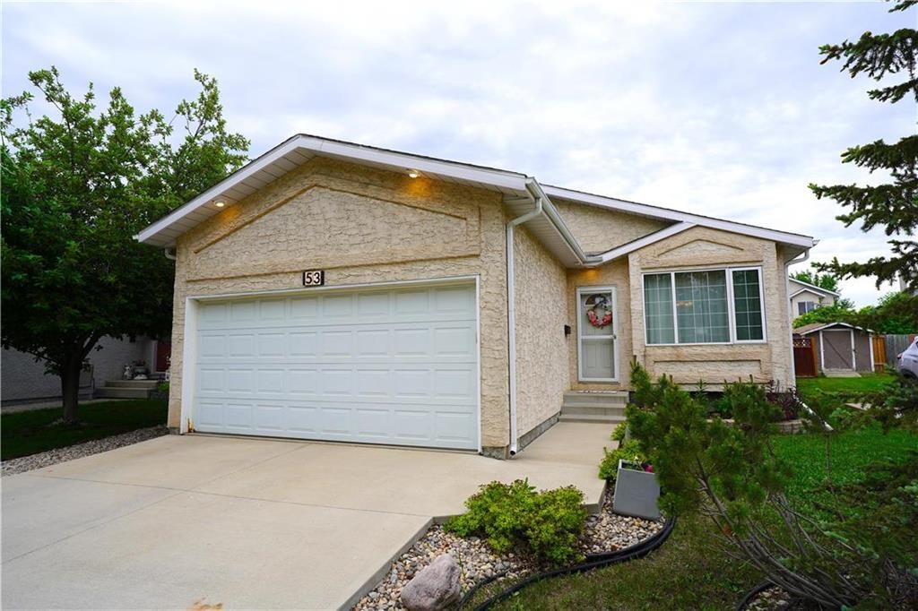 Main Photo: 53 Shauna Way in Winnipeg: Harbour View South Residential for sale (3J)  : MLS®# 202114373