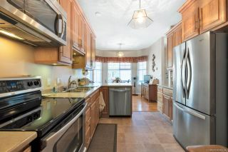 """Photo 3: 31 15677 24 Avenue in Surrey: King George Corridor Townhouse for sale in """"Summerlea Pointe"""" (South Surrey White Rock)  : MLS®# R2270968"""