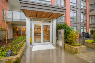 """Photo 4: 108 20 E ROYAL Avenue in New Westminster: Fraserview NW Condo for sale in """"THE LOOKOUT"""" : MLS®# R2237178"""