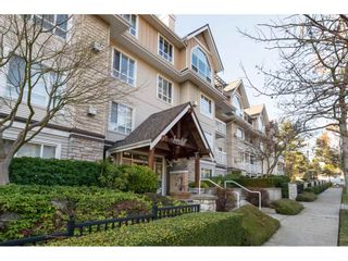 Photo 1: 204 1685 152A STREET in Surrey: King George Corridor Condo for sale (South Surrey White Rock)  : MLS®# R2228251