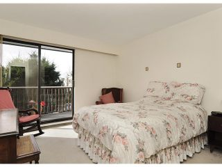 """Photo 6: 204 1610 CHESTERFIELD Avenue in North Vancouver: Central Lonsdale Condo for sale in """"CANTERBURY HOUSE"""" : MLS®# V934824"""