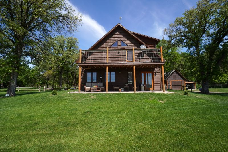 FEATURED LISTING: 80046 Road 66 Gladstone