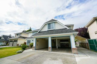 """Photo 15: 6165 NORTHPARK Place in Surrey: Panorama Ridge House for sale in """"Boundary Park"""" : MLS®# R2381145"""
