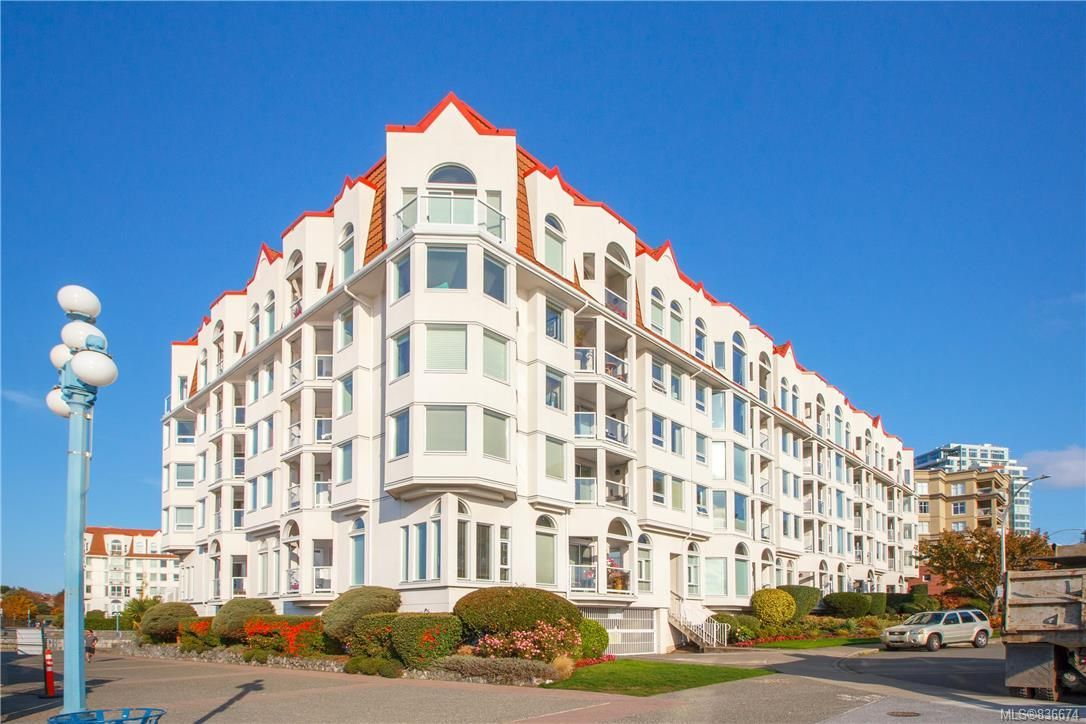 Main Photo: 113 10 Paul Kane Pl in Victoria: VW Songhees Condo for sale (Victoria West)  : MLS®# 836674