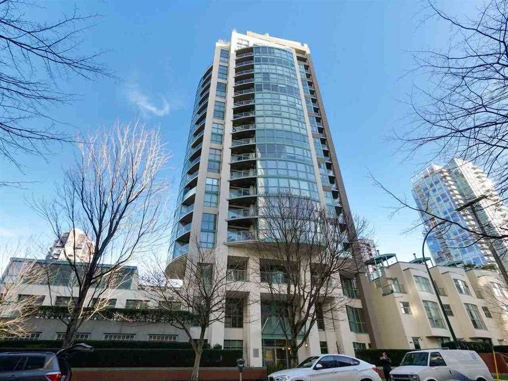 """Main Photo: 1505 907 BEACH Avenue in Vancouver: Yaletown Condo for sale in """"CORAL CRT"""" (Vancouver West)  : MLS®# R2229594"""