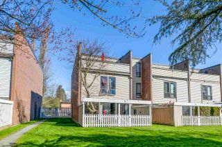 """Photo 3: 22 10200 4TH Avenue in Richmond: Steveston North Townhouse for sale in """"THE HIGHLANDS IN STRAWBERRY HITLL"""" : MLS®# R2552005"""