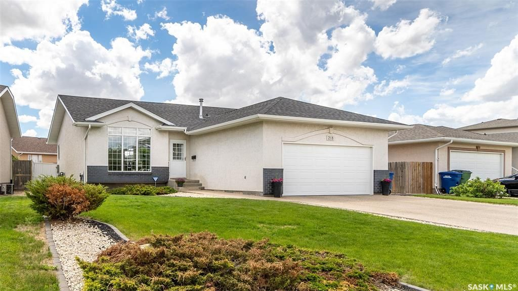 Main Photo: 218 Blue Sage Drive in Moose Jaw: VLA/Sunningdale Residential for sale : MLS®# SK859447