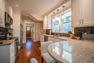 Photo 12: 1034 Princess Ave in : Vi Central Park House for sale (Victoria)  : MLS®# 877242