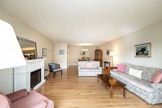 Photo 7: 101 2125 Oak Bay Ave in Oak Bay: OB South Oak Bay Condo for sale : MLS®# 837058