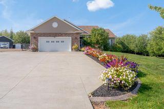 Photo 1: 2902 Drake Drive: Cold Lake House for sale : MLS®# E4237860