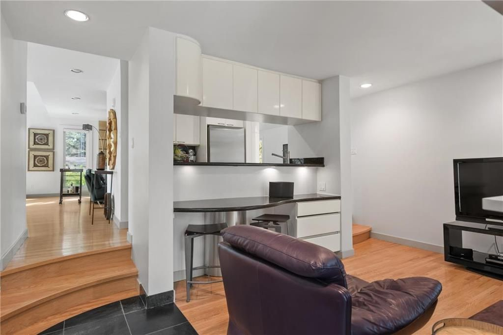 Photo 13: Photos: 97 Woodlawn Avenue in Winnipeg: Residential for sale (2C)  : MLS®# 202011539