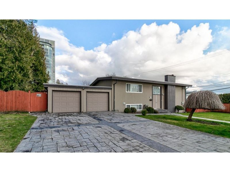 FEATURED LISTING: 501 MENTMORE Street Coquitlam
