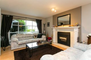 Photo 2: 15730 89A Avenue in Surrey: Fleetwood Tynehead House for sale : MLS®# R2329099