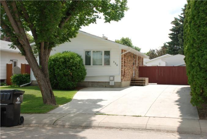 Main Photo: 328 Simon Fraser Crescent in Saskatoon: West College Park (Area 01) Single Family Dwelling for sale (Area 01)  : MLS®# 346741