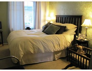 """Photo 8: 9 123 7TH Street in New Westminster: Uptown NW Townhouse for sale in """"ROYAL CITY TERRACE"""" : MLS®# V796259"""