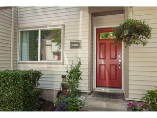 "Photo 2: 6181 W GREENSIDE Drive in Surrey: Cloverdale BC Townhouse for sale in ""GREENSIDE ESTATES"" (Cloverdale)  : MLS®# R2310427"